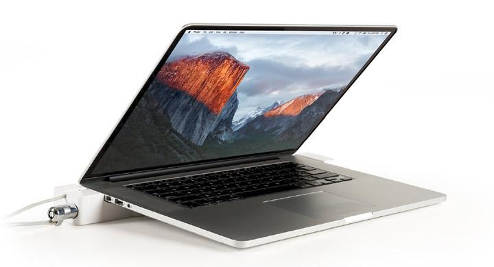 MacBook Docking Stations